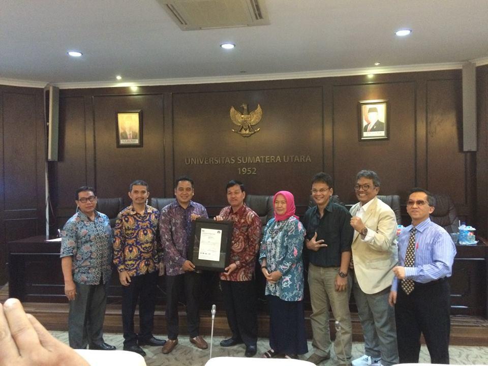 PENYERAHAN SERTIFIKAT ISO 9001:2015 UNTUK UMM USU